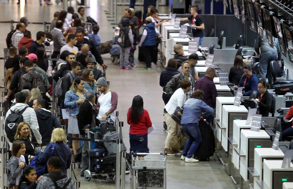 >@EstadaoEconomia Após cobrança por bagagem, preço das passagens aéreas sobe no País https://t.co/ojzFjnLC1e