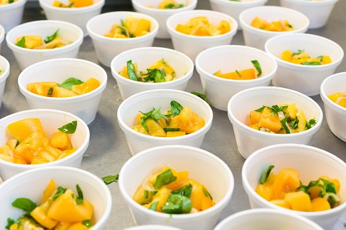 #Farmtoschool encourages students to eat with the seasons! #FarmtoSchool101 #NF2SM via @USDANutrition<br>http://pic.twitter.com/XTsKSsO7mf