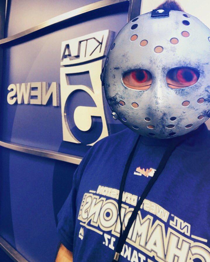 I need to wash this hockey mask  #FridayThe13th #NoMakeUp #KTLA #Jason #ItsFridayFool #ProducerLife #KTLAMorningNews #TeamNoSleep<br>http://pic.twitter.com/diwdl1v3RO