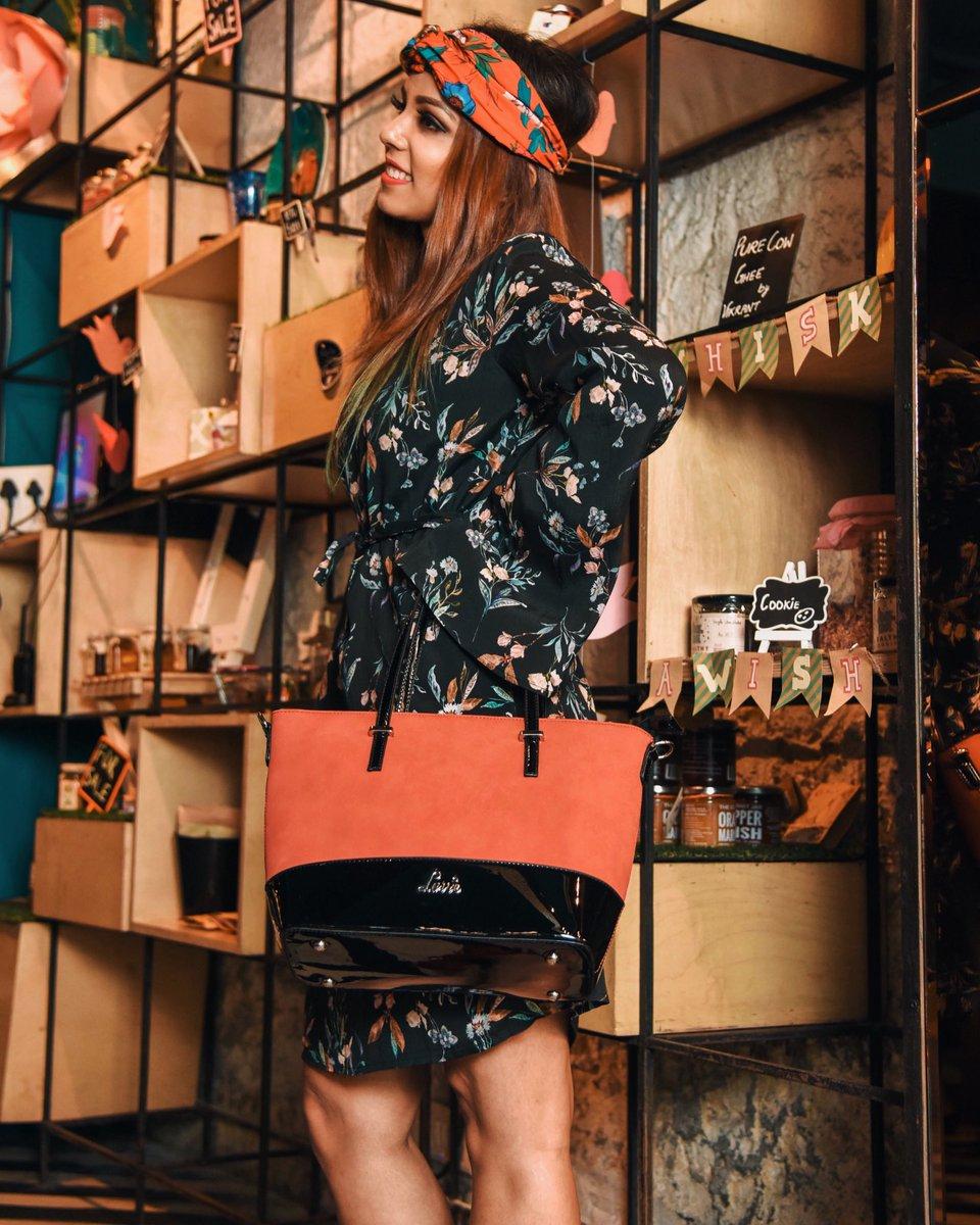 My Favourite Bag this Fall Season @lavieworld . #fickleisfun #lavie #fashionblog #fashionblogger #delhifashionblog #delhifashionblogger<br>http://pic.twitter.com/RgDrBJvEd7