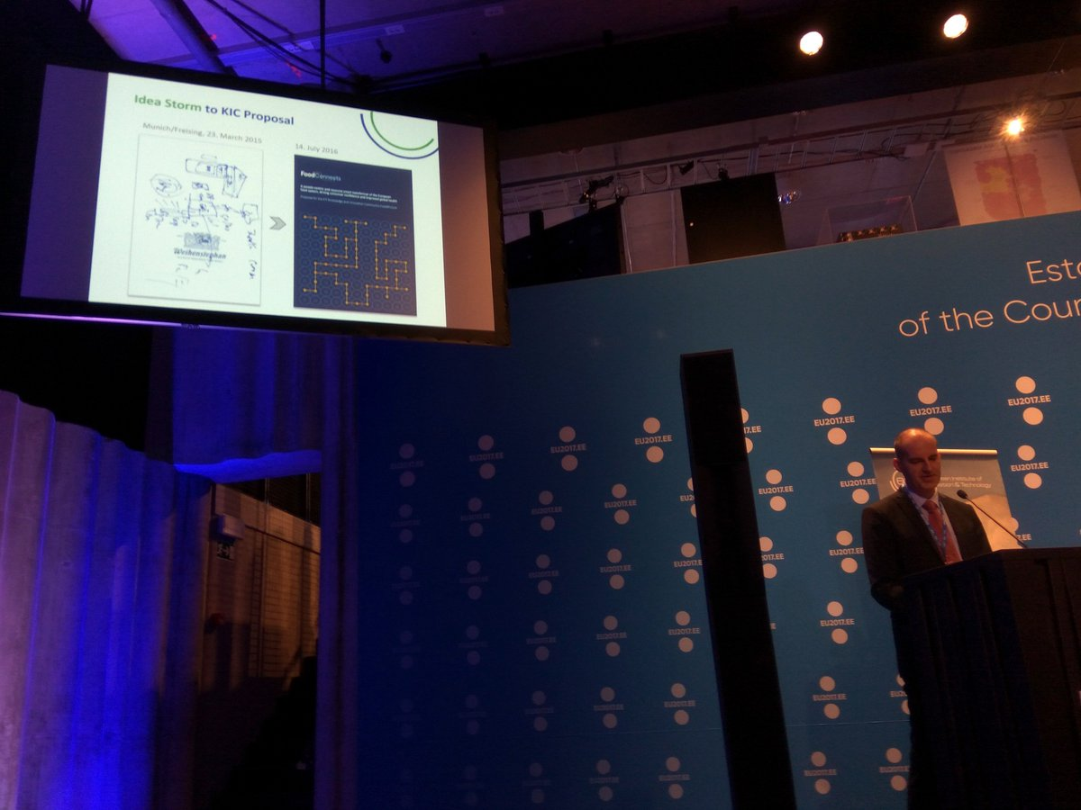 Kern Interim Director @EITeu presents #EITFood as real success story #EITday. Thank you , glad 2 be part #EITcommunity. #Research4FutureEU <br>http://pic.twitter.com/ltgeVmRXWX