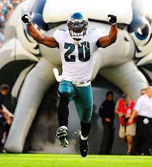 Happy Birthday to #Eagles legend @BrianDawkins !  #FlyEaglesFly <br>http://pic.twitter.com/7svJvljS5e