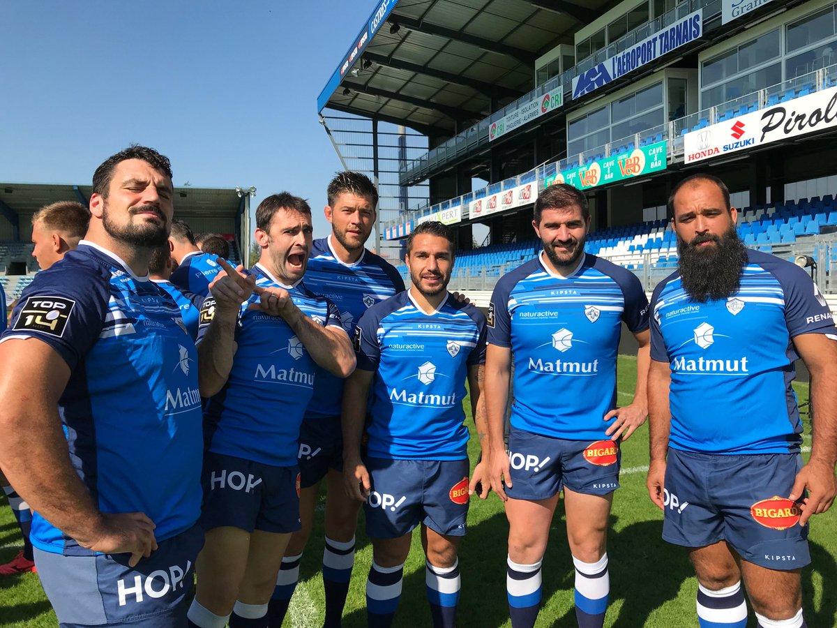 Photo d'équipe au stade Pierre Fabre ce...