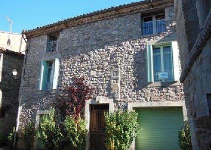 Ten minutes from #Bedarieux, a beautifully renovated #house in a lovely village.   http:// ow.ly/Zyg030fQTsR  &nbsp;   #frenchproperty #occitanie #France<br>http://pic.twitter.com/nE25WQzUVv