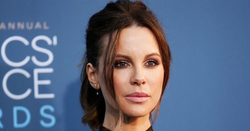#Kate #Beckinsale Says #Weinstein Came On To Her At 17  http:// bit.ly/2ylWOHw  &nbsp;  <br>http://pic.twitter.com/sln8HgsCUf