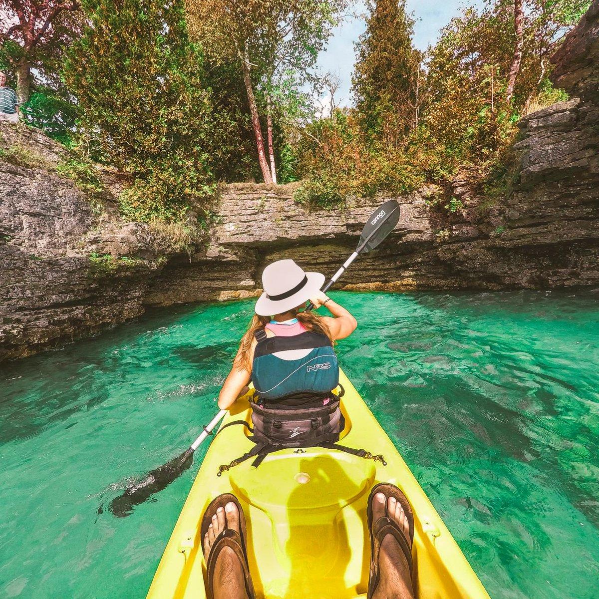 """Places To Visit On Lake Michigan In Wisconsin: Roamaroo Travel On Twitter: """"Kayaking Through Lake"""