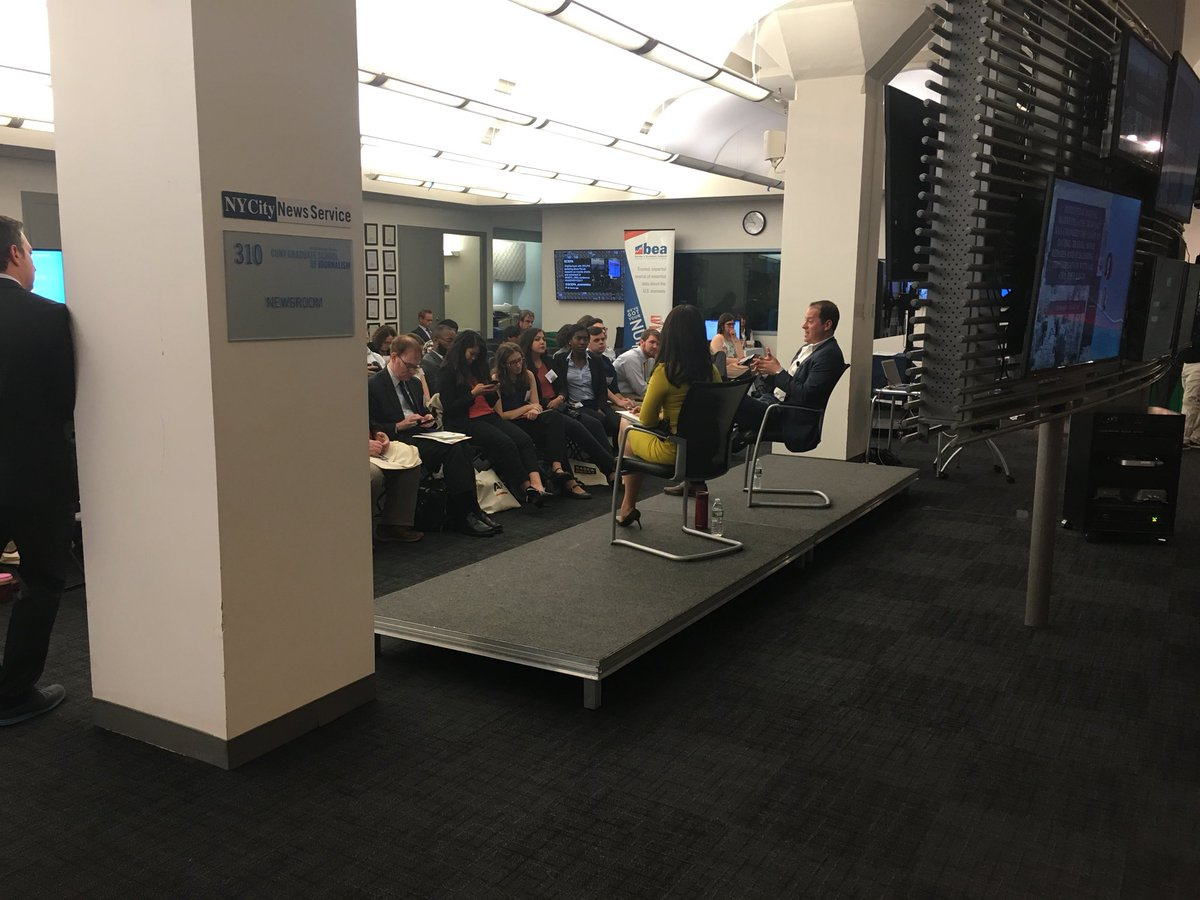 """Joey Levin, CEO, IAC """"synergy is a dirty word @ IAC, cost savings not worth the loss of autonomy"""" #sabewnyc17 <br>http://pic.twitter.com/bK20Ducklw"""