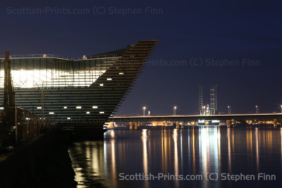 V&amp;A Design Museum + oil rig reflected in River Tay #Dundee 9 Oct&#39;17 #ScotSpirit @ScotsMagazine @VADundee @DDWaterfront @forthports<br>http://pic.twitter.com/wdPoJIX3Ys