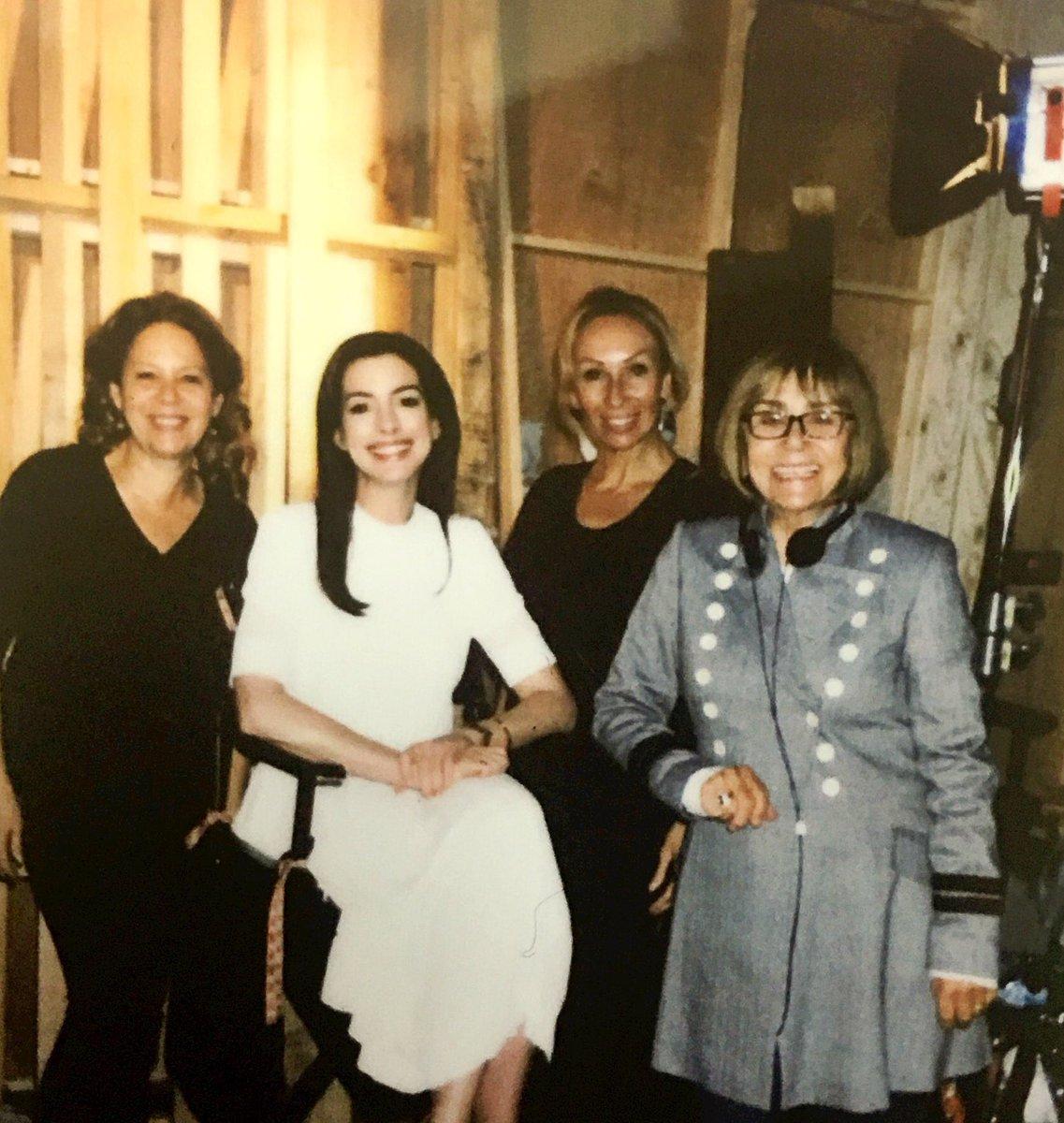 Anne Hathaway Fan (@AHathawayNews)