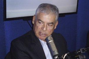@CesarVPeru: La actitud dialogante de @MecheAF determinó el #VotoDeCon...