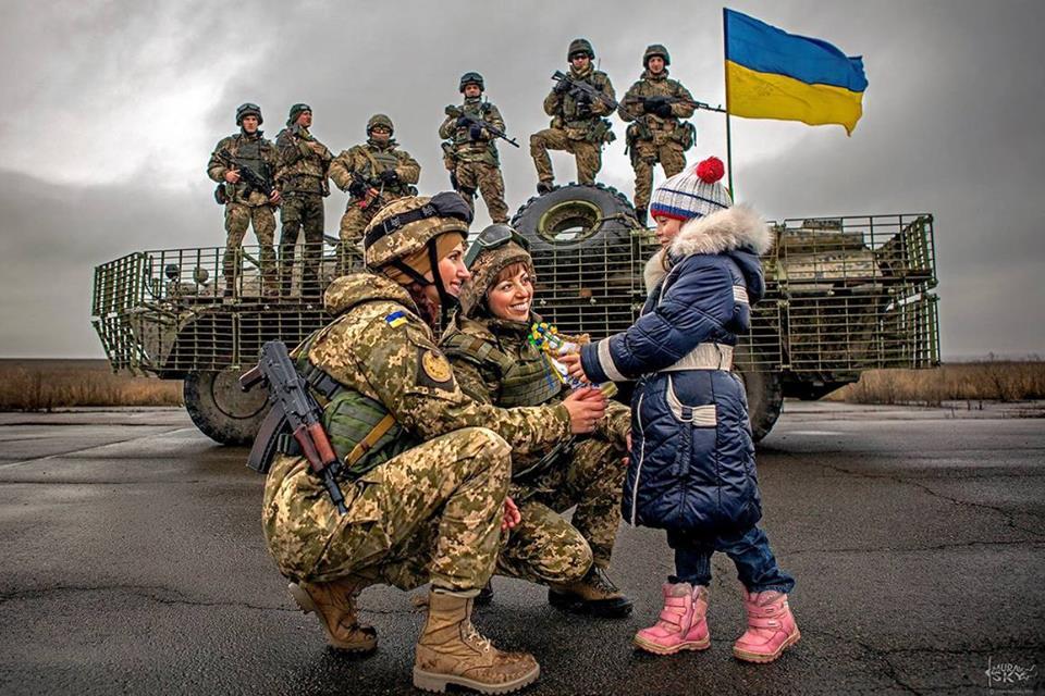 Праздник Дня защитника прижился в Украине по двум причинам, – Порошенко - Цензор.НЕТ 7276