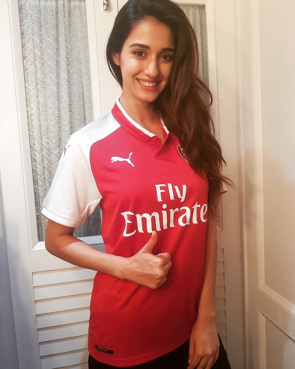 So thrilled to have received an Arsenal jersey from the legendary @pir...