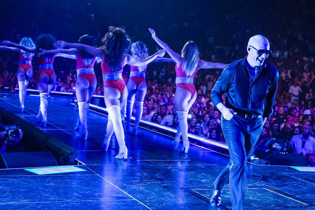 Who's ready to work it tonight in Philly? #EnriquePitbullTour