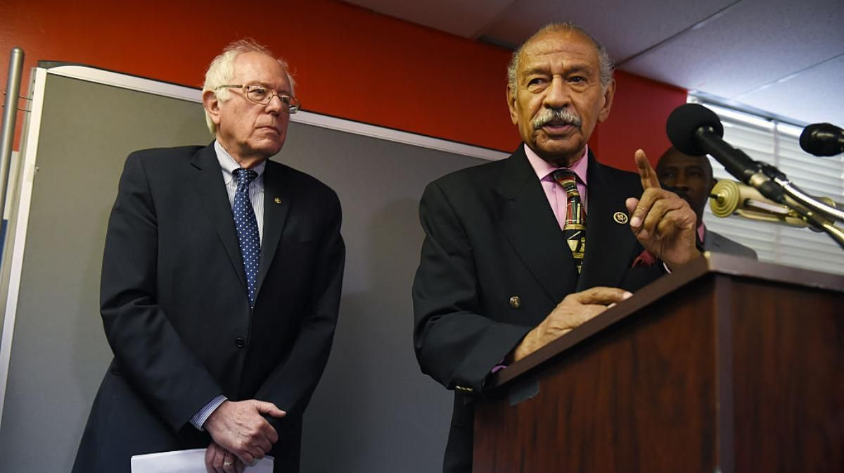 #MustRead Rep. John Conyers makes the case for HR 676, the #Medicare4All bill he has introduced in the House.  https:// buff.ly/2wOPkta  &nbsp;  <br>http://pic.twitter.com/bHDVld5fQN
