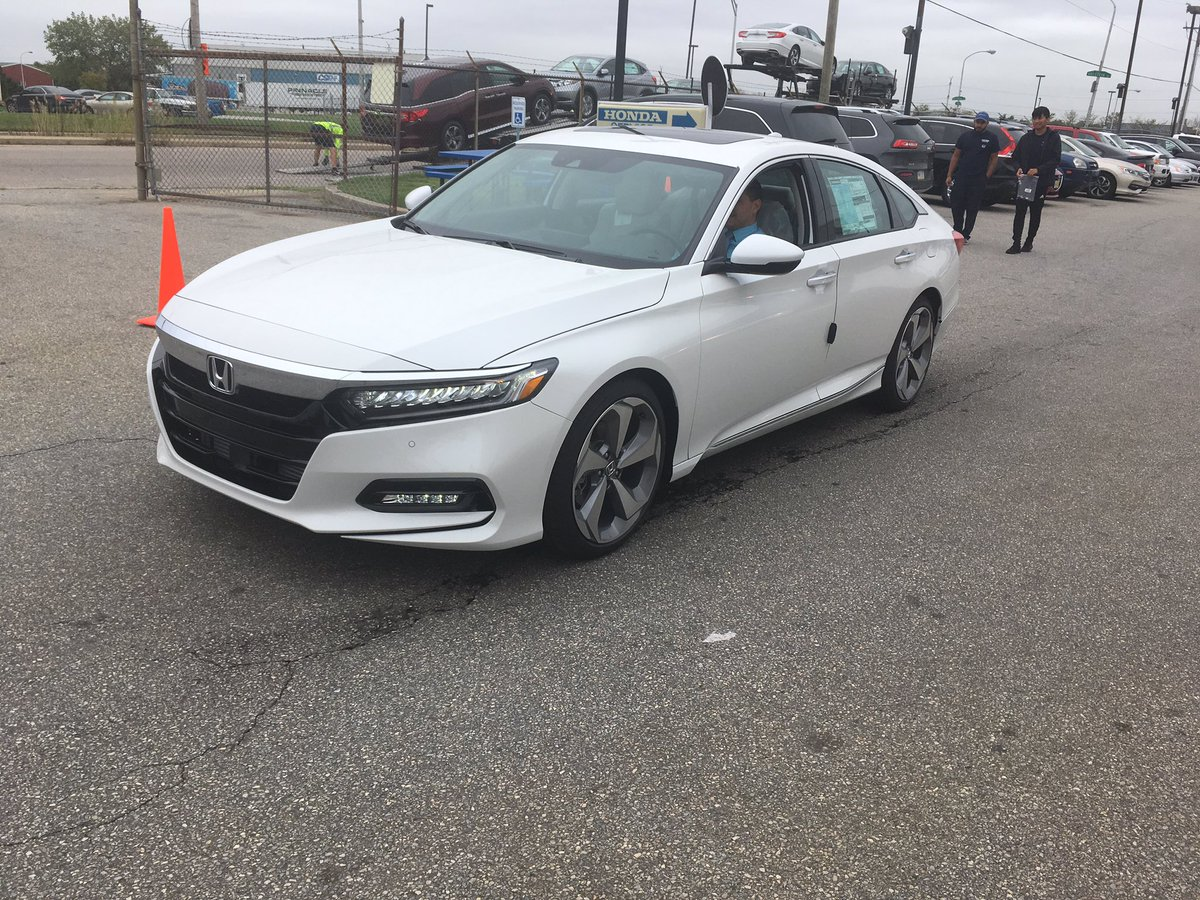 The 2018 Honda Accord has arrived at #piazzahondaphiladelphia!! #honda #accord #philadelphia #hondaaccord #philly #cars<br>http://pic.twitter.com/WiW2vx1uez