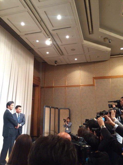 井口新監督の就任会見を行いました。多数の報道陣が駆けつけました。(広報) #chibalotte