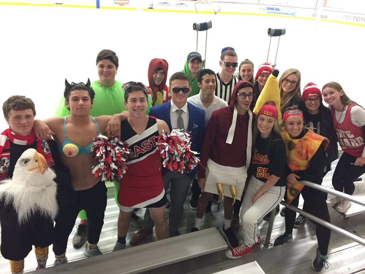 Tough loss tn but the Countrymen showed up! Next up is Cinnaminson on Oct. 23. Pink out for Breast Cancer Awareness #BounceBack <br>http://pic.twitter.com/FRFC4URViq &ndash; à Virtua Center Flyers Skate Zone