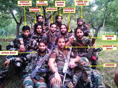 With Wasim Shah gone, only Saddam Padder is left now from this infamous picture. #Kashmir #terror #Pulwama ops @adgpi @JmuKmrPolice @spvaid<br>http://pic.twitter.com/hVJBt1bCqX