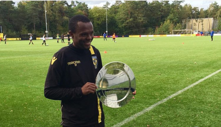 Thulani Serero has been named as Vitesse's Player of the Month.