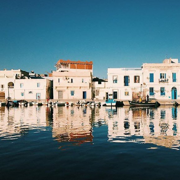 Today we reach Bizerta, water surrounds us, again, it makes its way throughout the #city, shot by #Tunisia&#39;s guest, @SultaanZahra<br>http://pic.twitter.com/53U2toQdG0