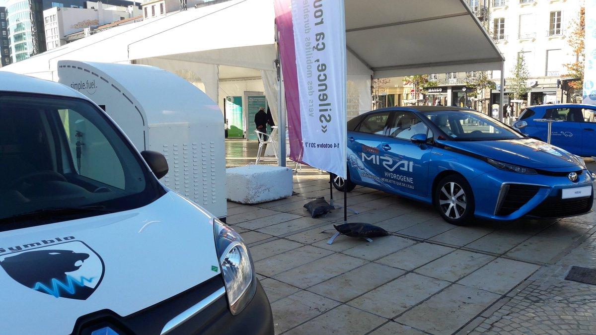 RT @afhypac Venez découvrir les solutions #hydrogen pour la mobilité place de Jaude à @ClermontFd