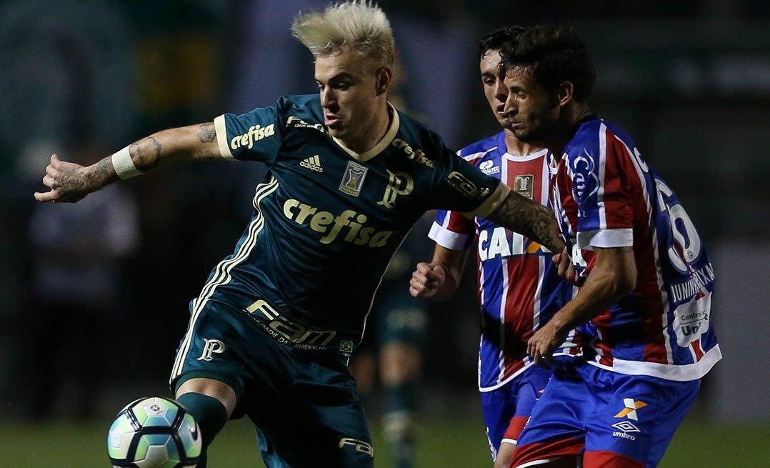 Róger Guedes é afastado do Palmeiras. Atacante é cobrado por colegas e diretores por causa do comportamento e treinará separado.