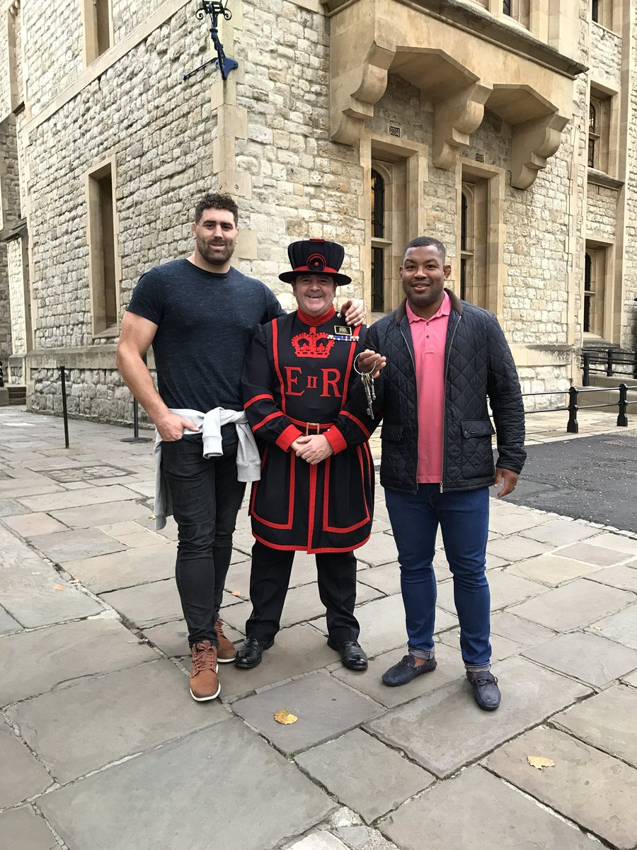 Great to have @Magicsteffo7 @TowerOfLondon today and host him on #CeremonyoftheKeys #rugby #Pau #LondonIrish #EnglandSaxons<br>http://pic.twitter.com/5sE29teep9