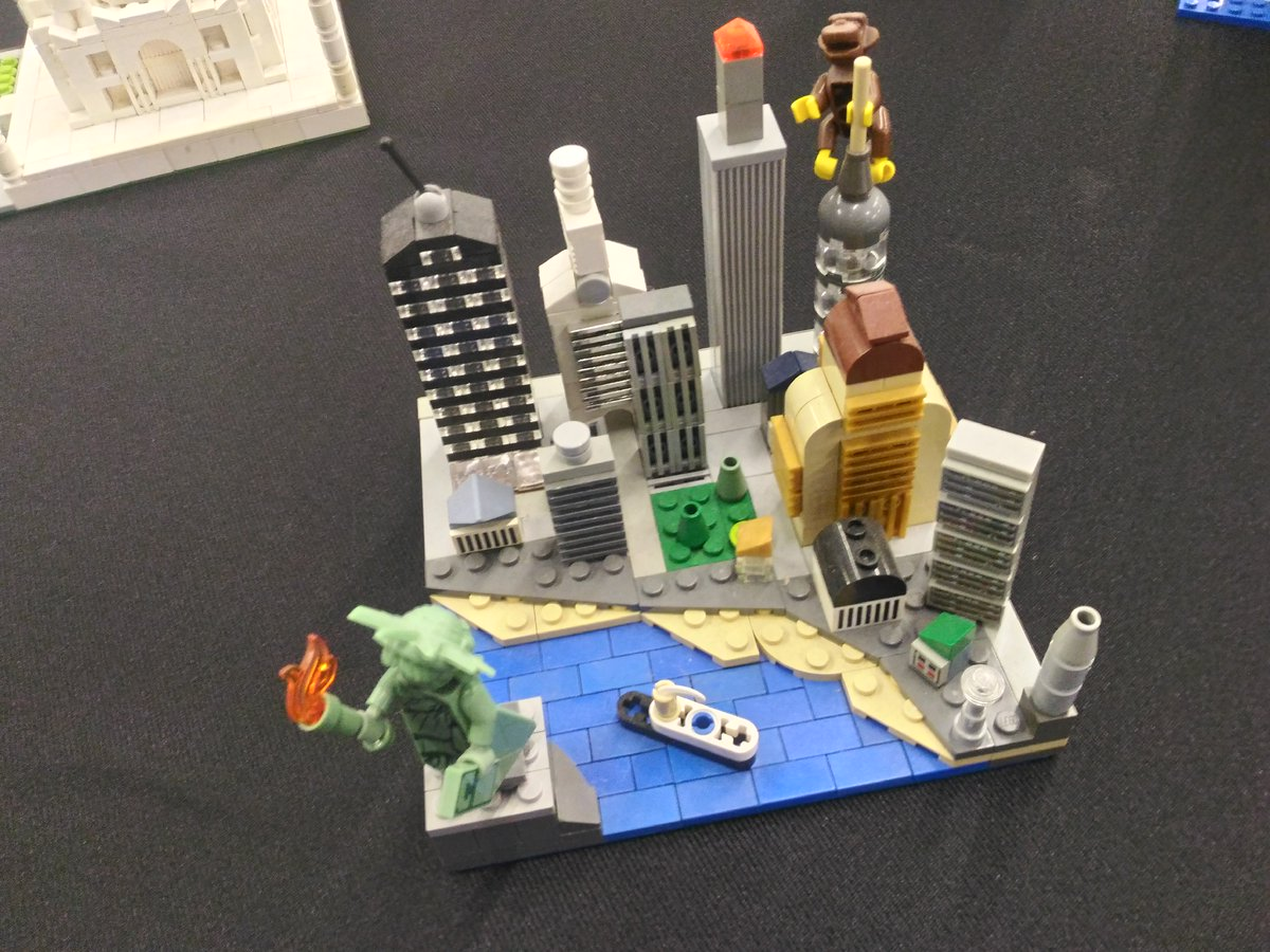 Less is more ? #Lego #microscale #chtibrick #Manhattan #tajmahal<br>http://pic.twitter.com/LwJ1yKyF3M