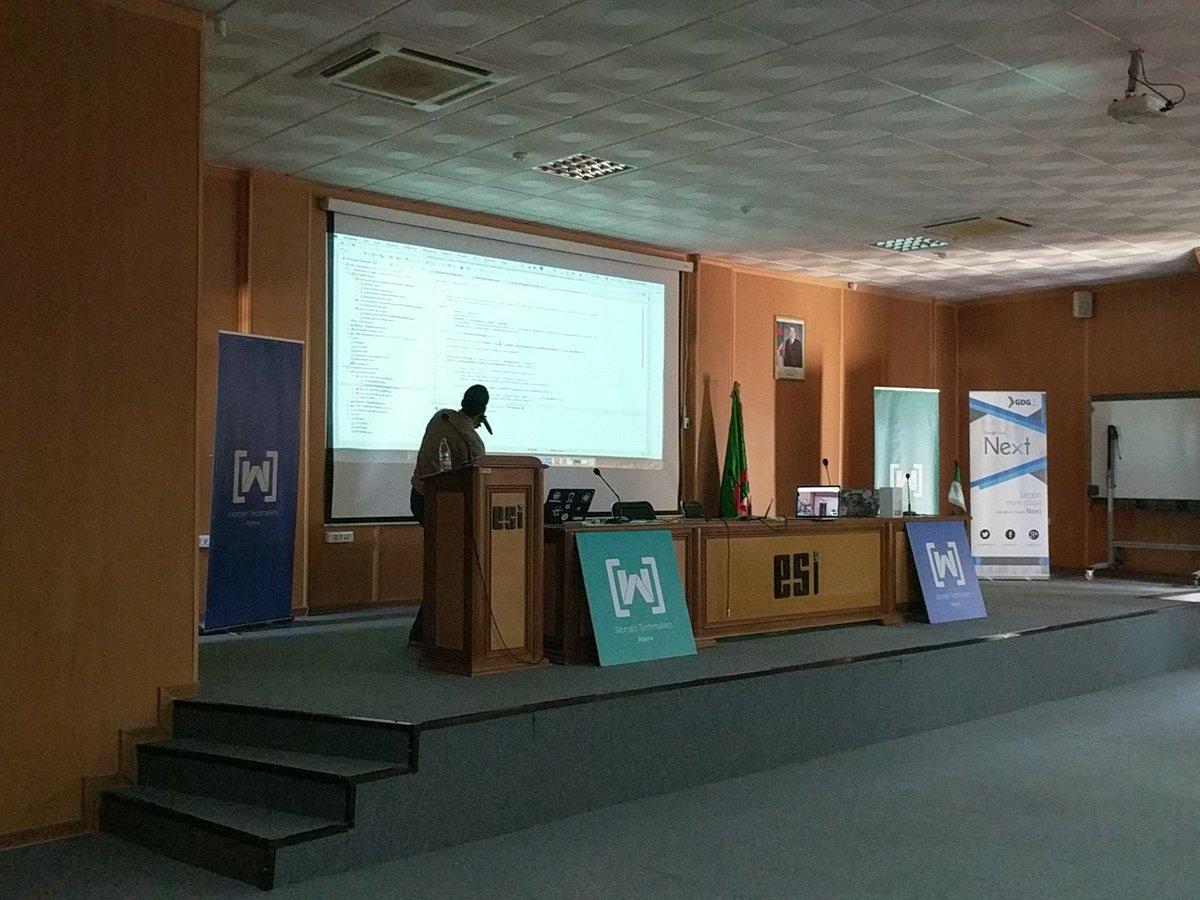 #GDRMENA @omerio demo on App engine and Container Engine #ALGERIE <br>http://pic.twitter.com/2dCXzaT5E0