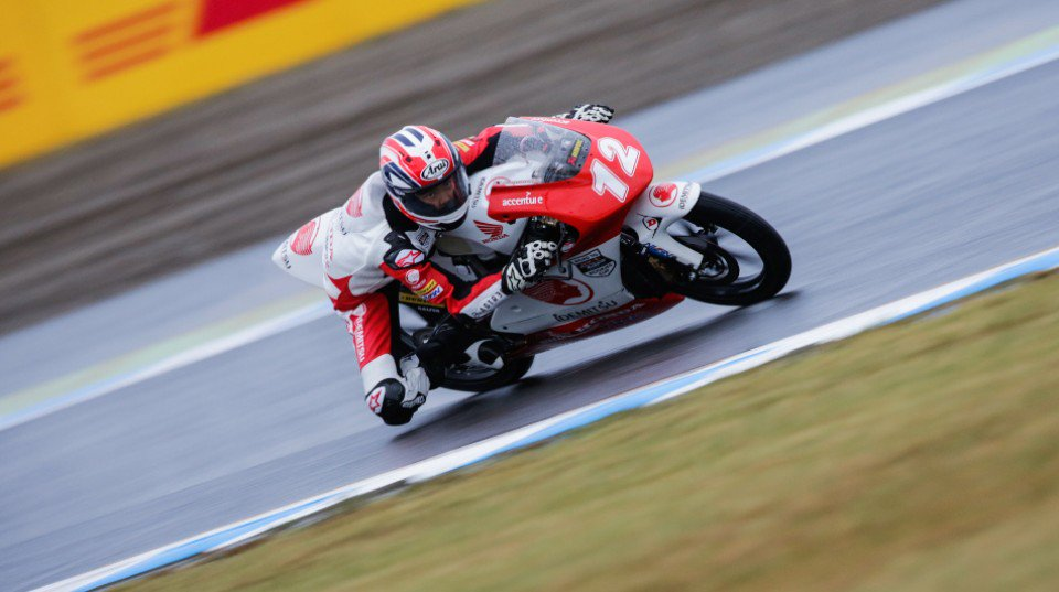Yamanaka takes victory in dramatic race at Motegi  #RoadToMotoGP 📰  https://t.co/2ndac2sm81 https://t.co/QlnEmateoV