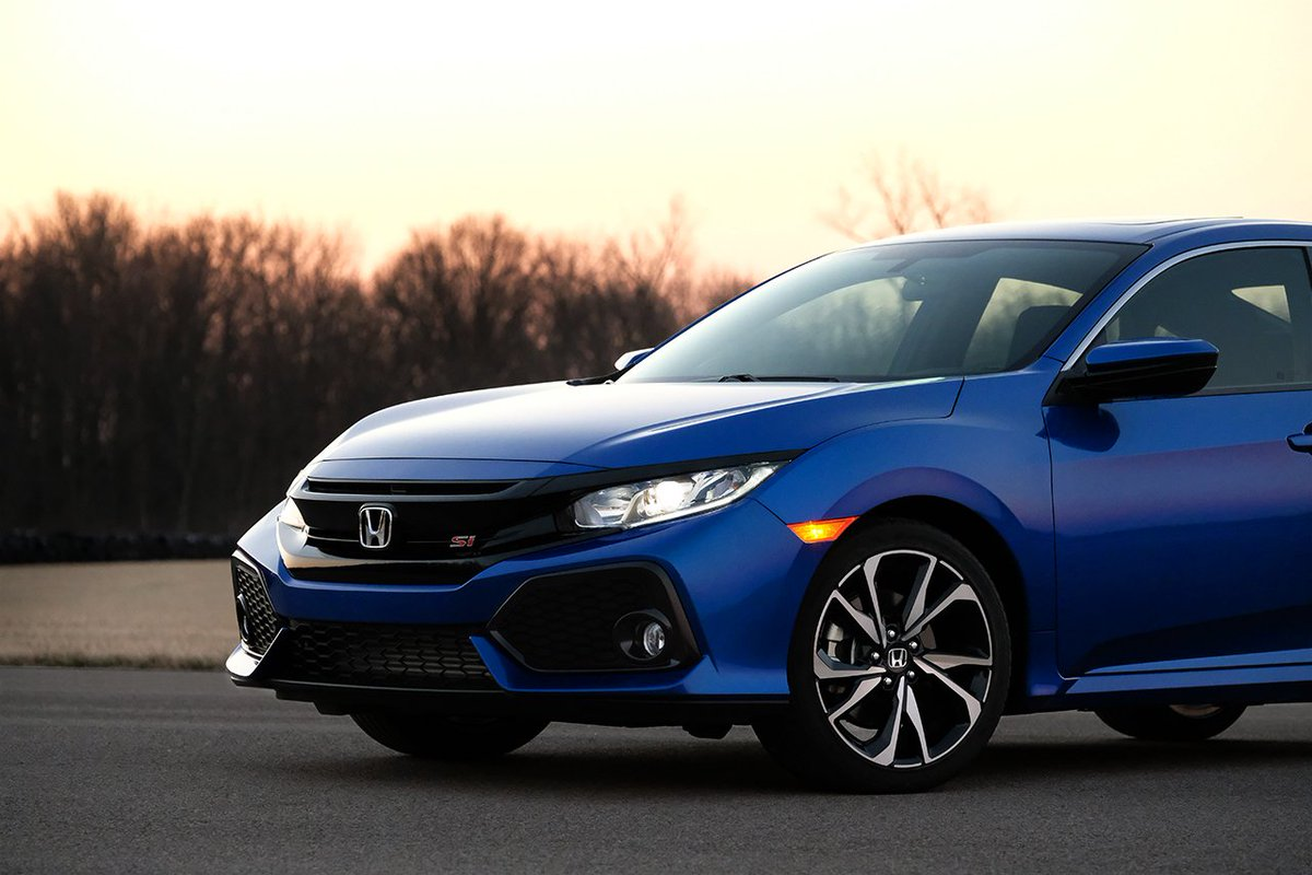 Break away from the pack with the turbocharged Civic Si.  #hondavillage #honda #newcar<br>http://pic.twitter.com/QVgvsJpVdE