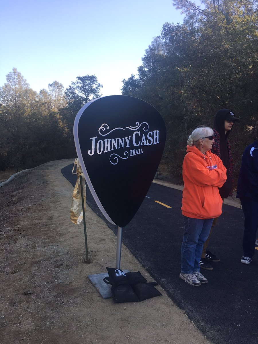 The trail&#39;s officially open! #folsom #johnnycash #johnnycashtrail<br>http://pic.twitter.com/KBVqIukthl