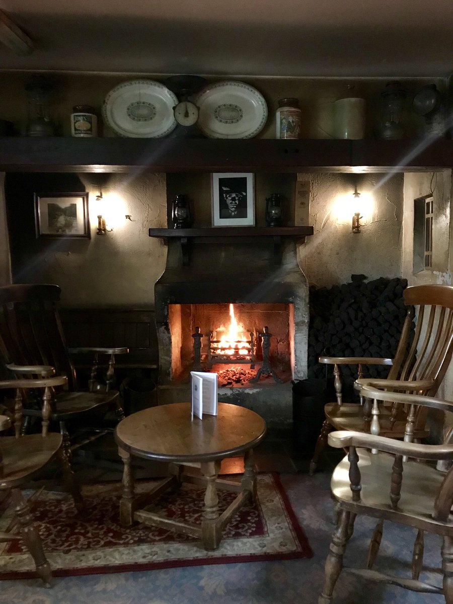 When you think of Ireland what's the first thought? Probably something like this @BushmillsInn #ni #ireland #guinness  <br>http://pic.twitter.com/baY3yfxhzm &ndash; à The Bushmills Inn Hotel &amp; Restaurant