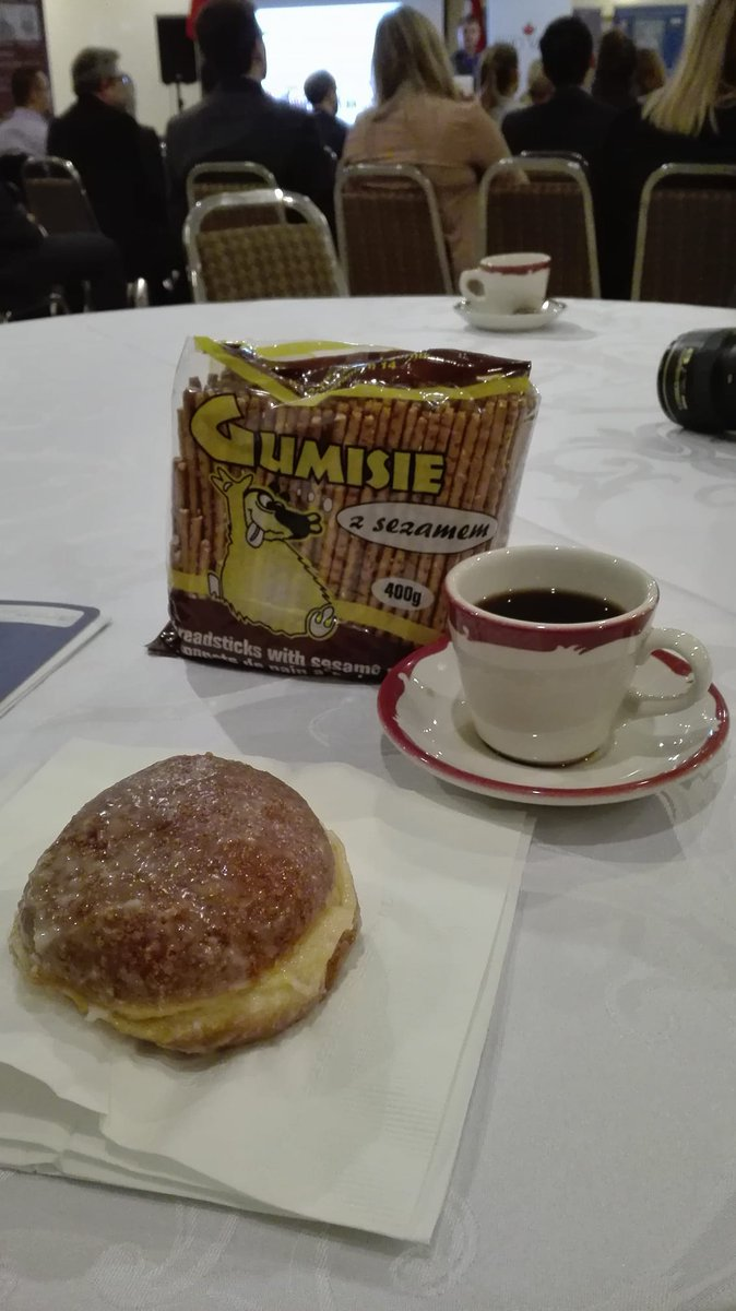 Busy day at Quo Vadis 2017: Nowa Fala, but there is always time for #pączki and #paluszki =)  #QV2017 <br>http://pic.twitter.com/7WKu3o4Zhx