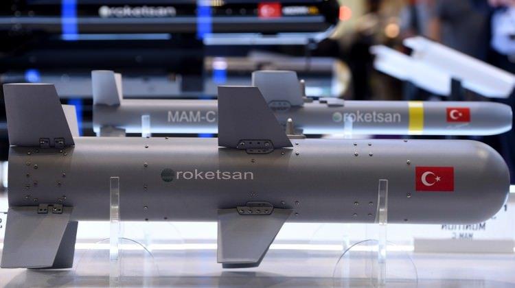 """صواريخ """"روكيتسان"""" التركية تلفت الأنظار في معرض بكييف DMHWD2FWsAA7XTz"""