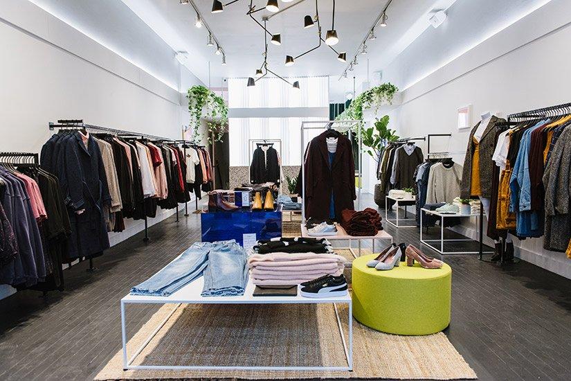 .@FrankandOak  just opened it's first women's boutique in Toronto https://t.co/g028QRkBkb https://t.co/f4v7nCMCUO