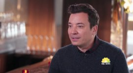 "Jimmy Fallon doesn't discuss Trump because he ""isn't into politics"" (??) https://t.co/dKkNsLe6t9 https://t.co/qdT6gV9DSF"