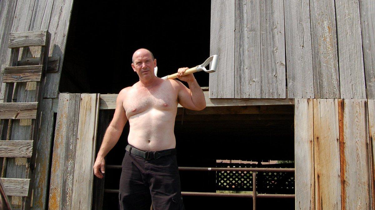 My Louisiana farmer pal from  http:// GLOBALFIGHT.com  &nbsp;   #louisiana #farm #ranch #barn #bearcub #musclebear #muscledaddy #bro #dude #profiles<br>http://pic.twitter.com/sGUUy8E0pQ