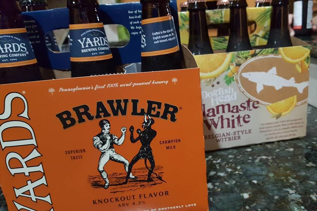 When you just wanna go a few rounds after about 12 hours of packing and moving...#yards #brawler #dogfishhead #bee…  http:// ift.tt/2gjzggm  &nbsp;  <br>http://pic.twitter.com/jOhqjPL7Fm