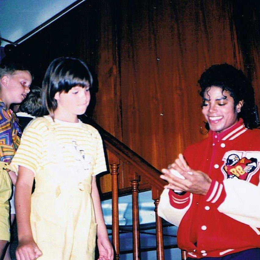 #Rare Michael during the Australian Tour,1987. <br>http://pic.twitter.com/TgcS9SBFIp