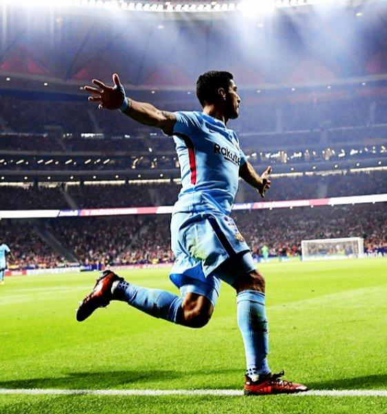 Invictos On Twitter Líder Goleador Asistente En Holanda España E Inglaterra Máximo Goleador Histórico De Uruguay Y Máximo Anotador En Eliminatorias Conmebol Https T Co Ybssih9sgt