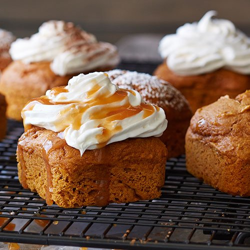 Two-ingredient #pumpkin cakes, sign us up. #NationalDessertDay https:/...