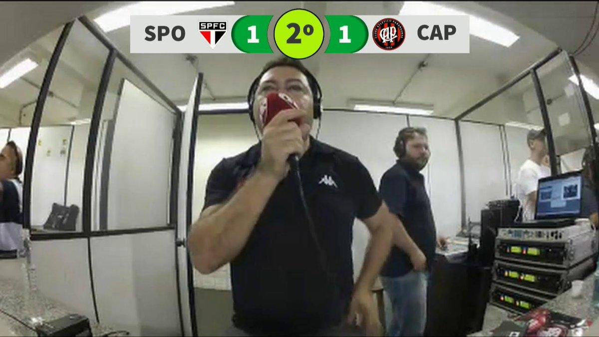 E o time da fé virou! 2 a 1.  Confira a narração do gol de Maicosuel na voz de José Manoel de Barros. https://t.co/RNviqi8jIw