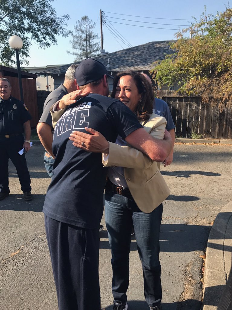 Kamala Harris Pa Twitter Thank You To All The Firefighters Who Have Worked Tirelessly This Week Thank You Thank You