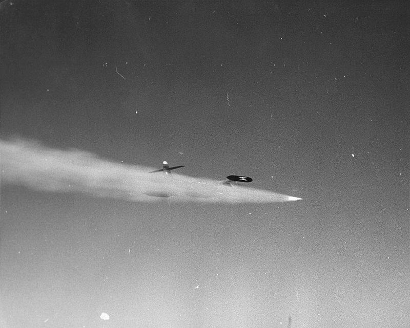 F-89(アメリカ) 迫真迎撃部編隊撃滅の裏技。ソ連が新型爆撃機を次々配備し始めて本土防空やべぇよやべぇよ……ってなったアメリカ。じゃけん大量のロケット弾で迎撃しましょうねぇ^〜。 もしくは無誘導空対空核攻撃で。
