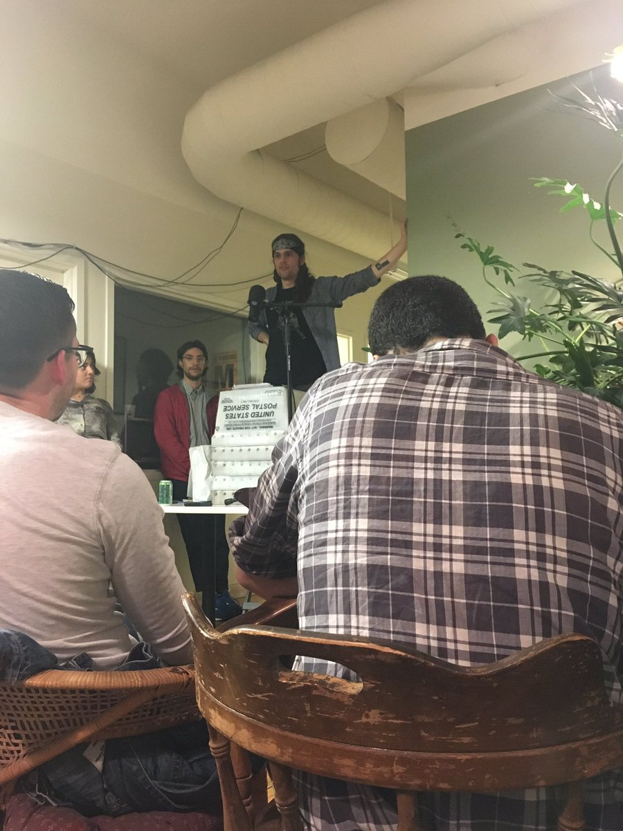 heck yeah it&#39;s 9:50 on a Saturday night and I&#39;m fired upabout #medicare4all ty to the prophet @crulge and @CDRosa and @ChicagoCityDSA !!!<br>http://pic.twitter.com/DLlR0ohzF1