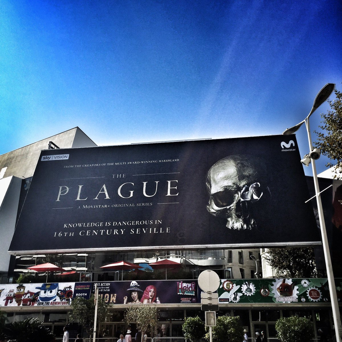 Front of the Palais at #MIPCOM. #Movistar+. Read my interview with head original prod. Domingo Corral  https:// goo.gl/iiFs84  &nbsp;  <br>http://pic.twitter.com/ZkuwQxHVXy