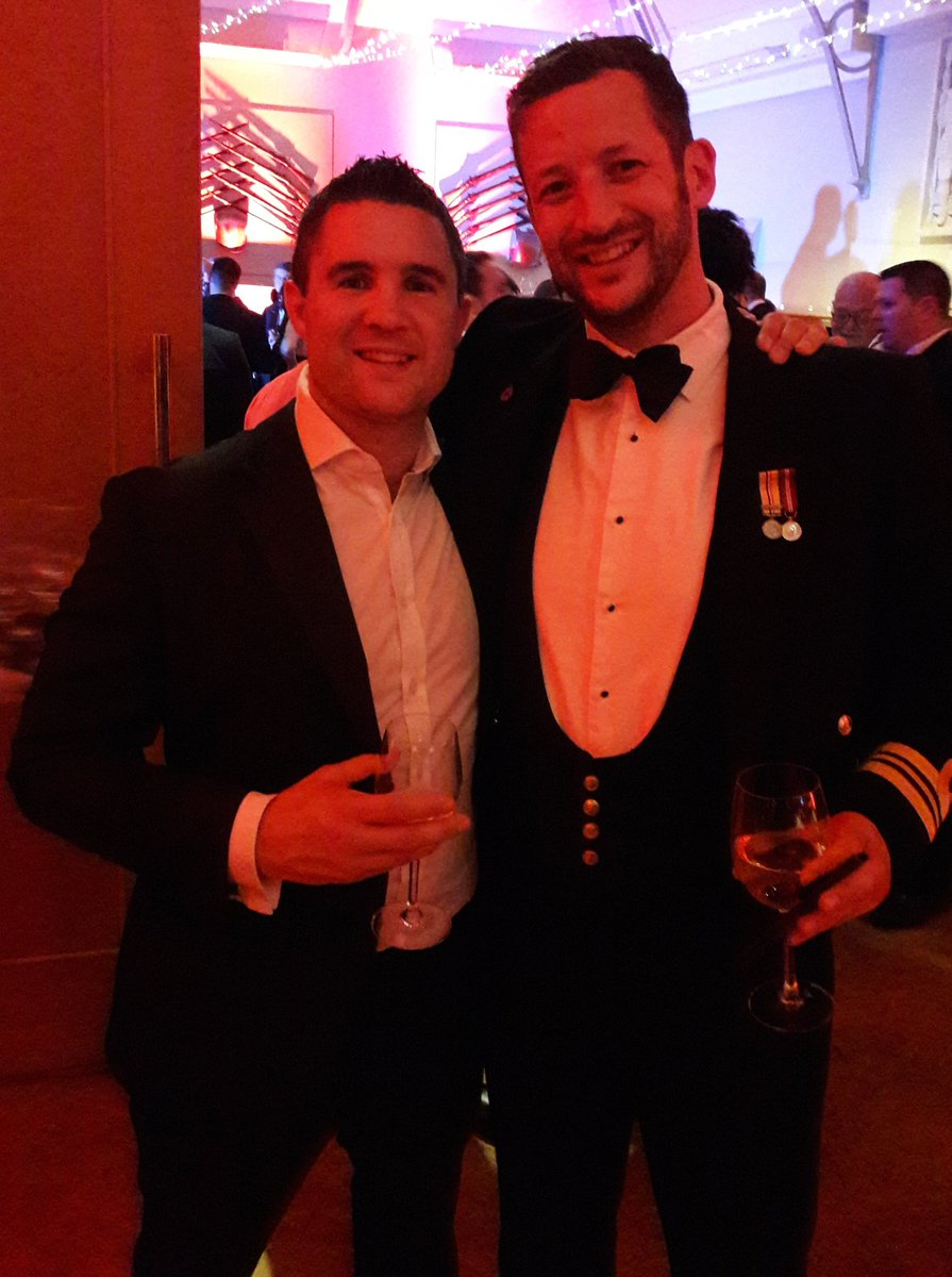 @RNRugby @rugbyunited grt w/e of #rugby for @PoppyLegion @hacevents with #Legends followed by head down @unionjackclub #rugbyfamily #gonavy<br>http://pic.twitter.com/tDT4dlY36r