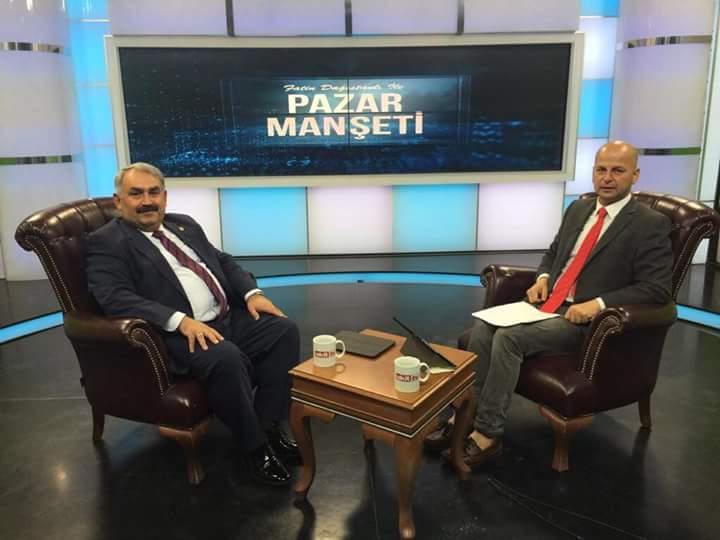Bugün saat:11.00'de, Akit Tv'de Fatin Dağistanlı'nın sunduğu pazar man...