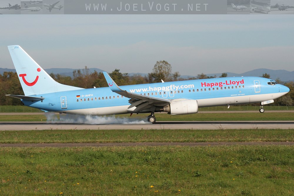 A @TUIflyGermany #B737-800 when they were still @HapagLloydAG    http://www. joelvogt.net/aviation/spott erbrowser/imgview.php?id=15963 &nbsp; …   #avgeek #aviation #TUI #Basel #BSLmovements #travel<br>http://pic.twitter.com/Ik2PXyrV1L